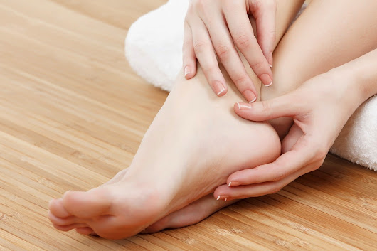 9 Simple Ways to Heal Cracked Heels | Home Remedies