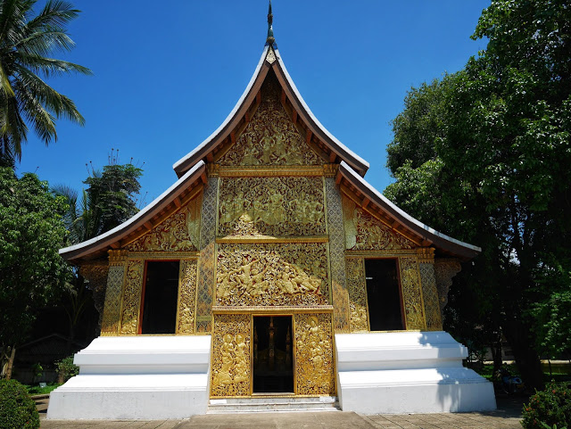 funeral barge hall, wat xiengthong