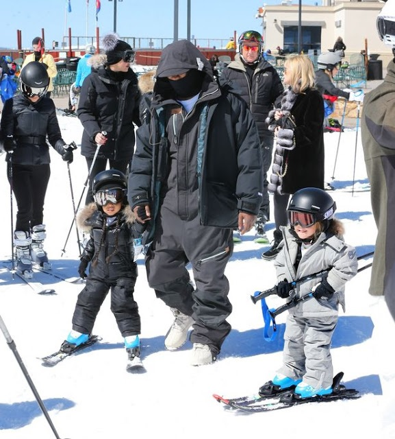 Kanye and Kim take North West skiing (Photos)