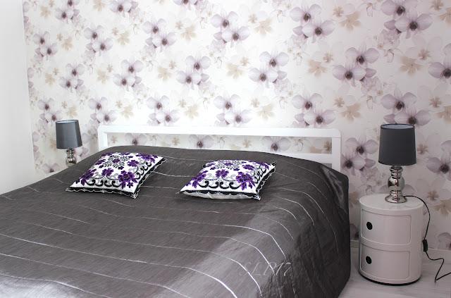 makuuhuone tapetti kartell koristetyynyt