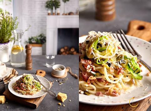 Spaghetti z cukinii w sosie àla carbonara z ziarnami