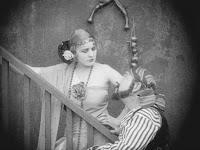 """Эдна Первайэнс и Джек Хэндерсон в к/ф """"Пародия на Кармен"""" / Burlesque on Carmen (1916) - 12"""