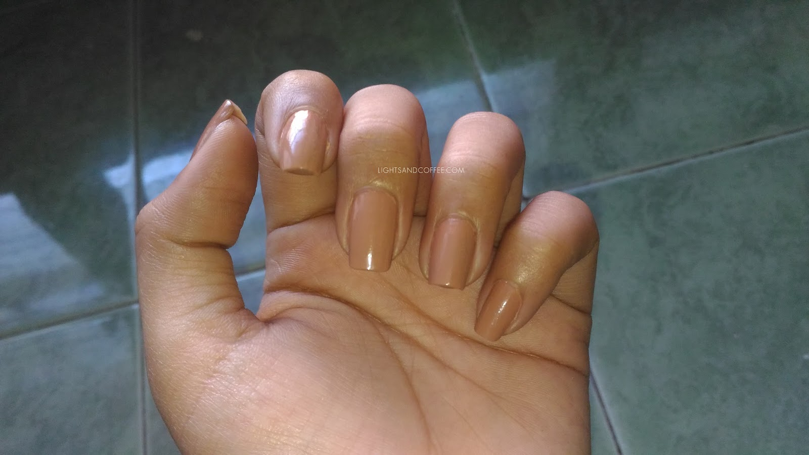 Nails without Gel Look Top Coat Natural Lightning