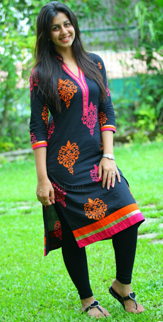 actress nikki galrani beautiful salwar images