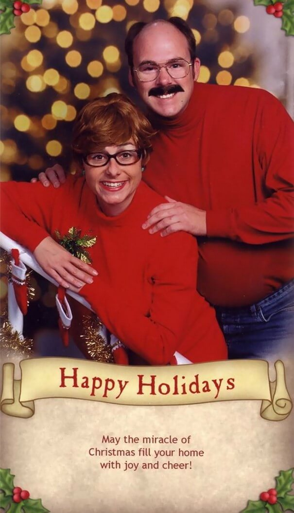This Family Has Been Sending The Most Awkwardly Amusing Christmas Cards For 16 Years