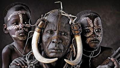 El amparo tribal y el universo de la irresponsabilidad individual, Francisco Acuyo