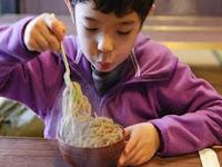Rosulullah Melarang Untuk Tidak Meniup Makanan Panas, Karena 4 Alasan ini