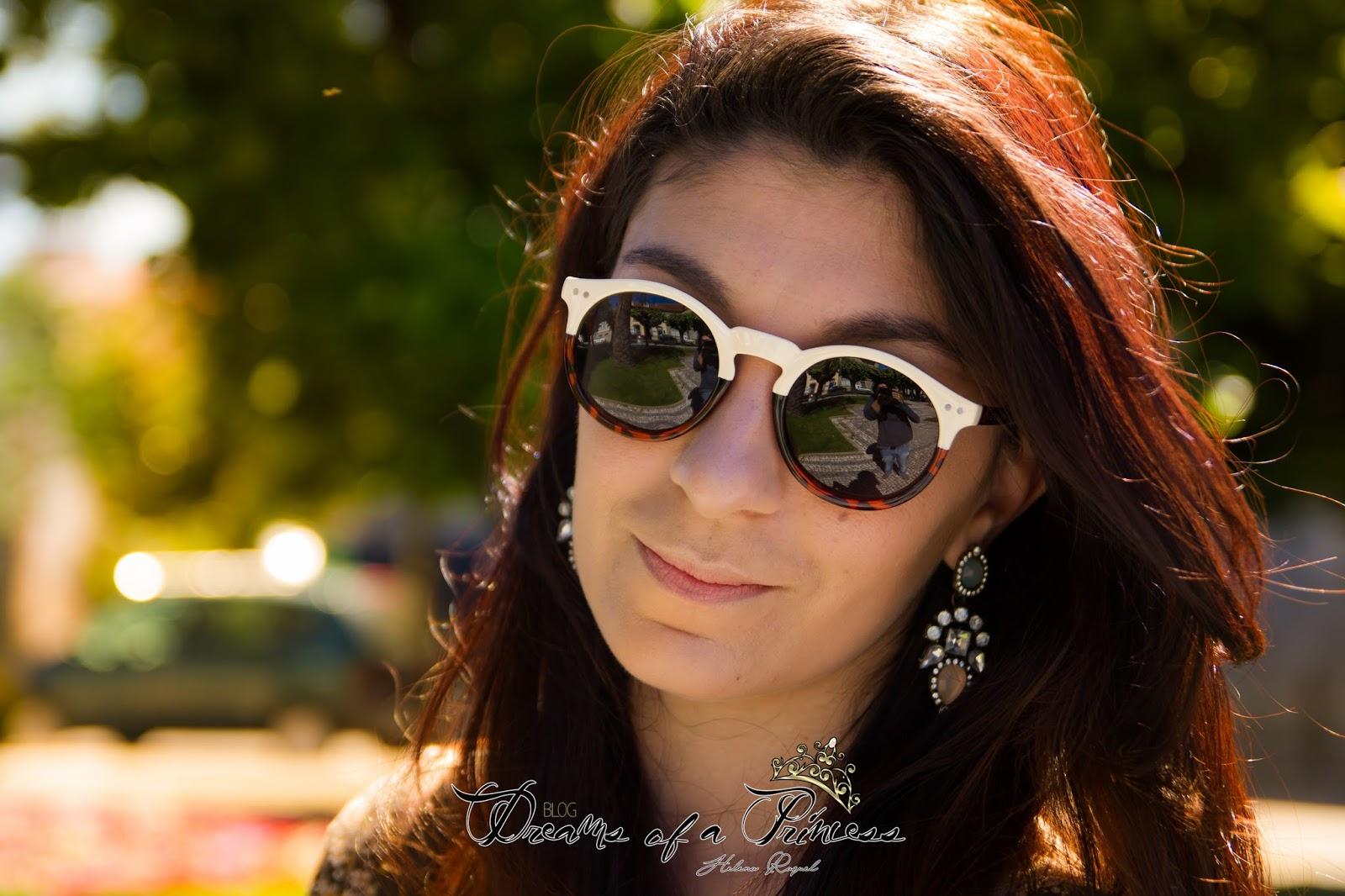 Deixo-vos aqui com um look simples onde podemos combinar com estes óculos  lindíssimos. cfcc41d3b4