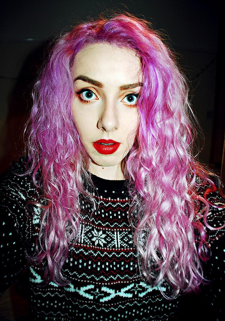 pink hair, hair dye, fashion pink hair, pinterest, curly, red lipstick, pastel, bloggers, lavender directions, pink directions