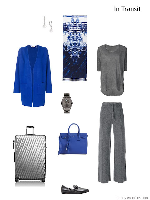 travel outfit in grey and bright blue