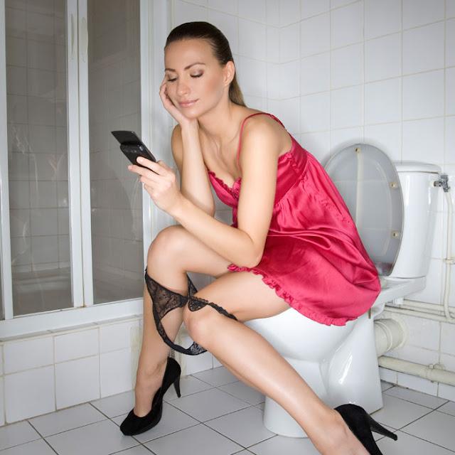 Posisi Buang Air Kecil yang Baik Untuk Wanita