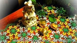 Camino de mesa multicolor al crochet / patrones y moldes
