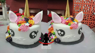 Kue tart unicorn