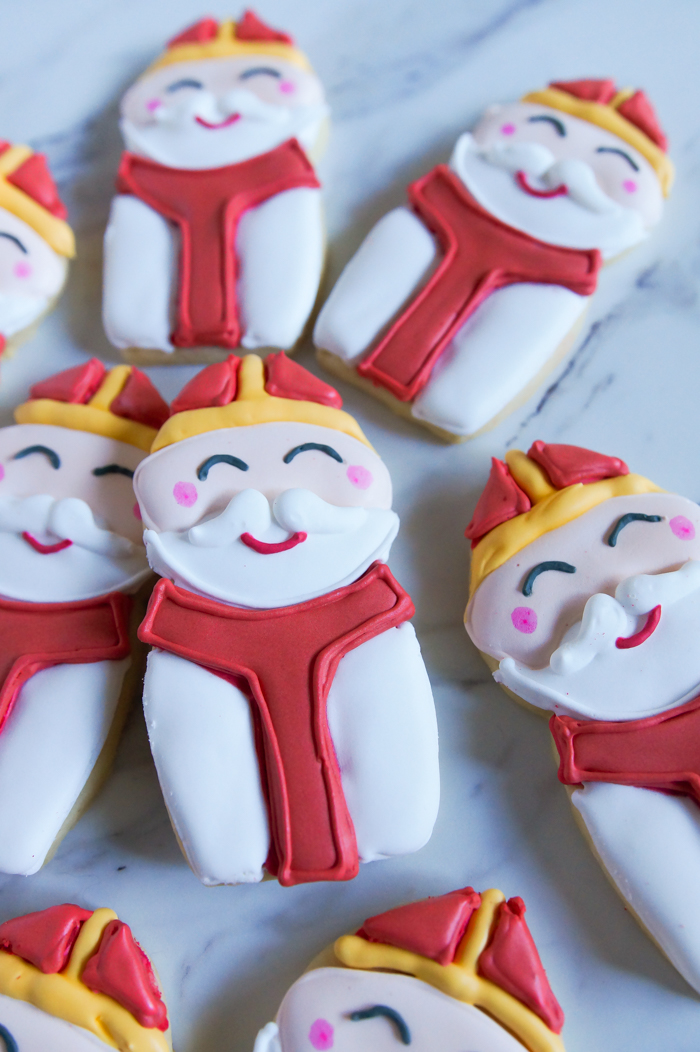 St. Nicholas' Day Decorated Cookies ♥ bakeat350.net
