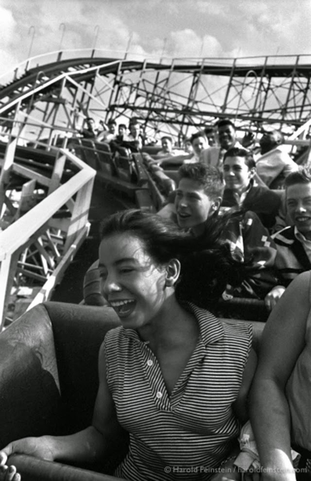 35 Stunning Photographs Of Daily Life In Coney Island From