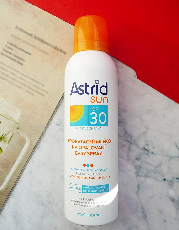 """Astrid - Hydratační mléko na opalování """"easy spray"""" OF 30 recenze"""