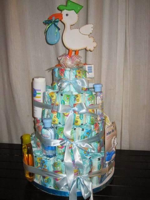 como fazer bolo de fraldas-como fazer um bolo de fraldas-bolo de fraldas passo a passo-chá de fraldas ideias-decoração de chá de fraldas
