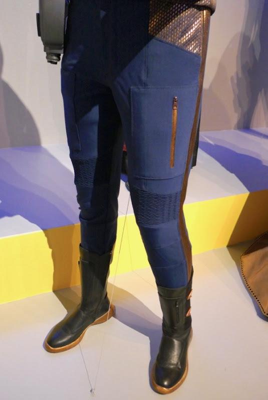 Star Trek Discovery Ash Tyler Starfleet uniform detail