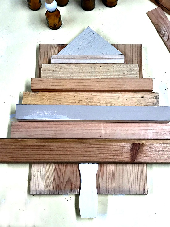 How to Make a DIY Stained Scrap Wood Christmas Tree. Homeroad.net