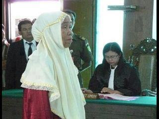 Mencuri Karena Kelaparan, Hakim Nangis