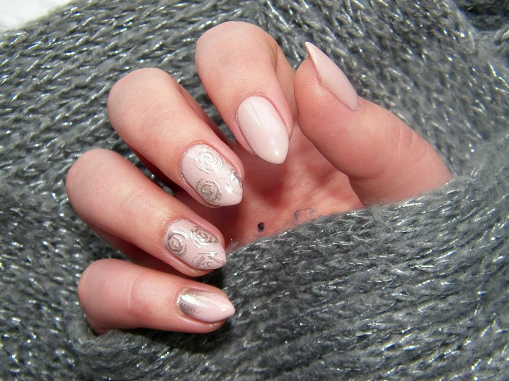 Semilac 135 Frappe SemiFlash efekt lustra róże na paznokciach