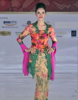 Baju Kebaya Tren 2017 Amy Atmanto Model Terbaru Pernikahan