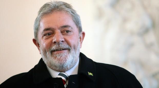 O ex-presidente Lula cometeu um ato falho ao compartilhar um vídeo humorístico em sua página oficial no Facebook