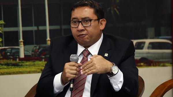Fadli Zon Desak Mendagri dan Presiden untuk Nonaktifkan Ahok