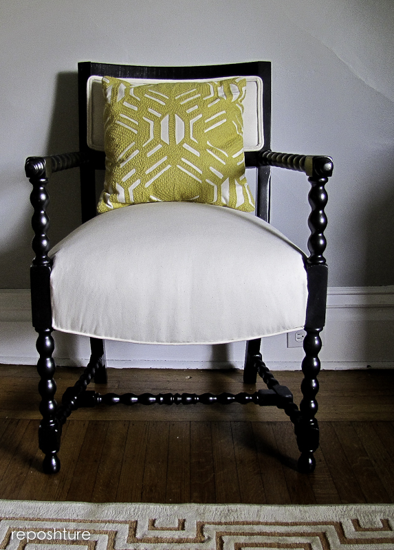This Chair Looks So Great With Just About Any Pillow Because It S Lines Are Clically Cool And The Neutral Background Makes Them Pop