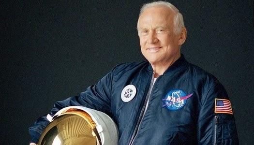 Astronauta Buzz Aldrin Santa Cena en la Luna