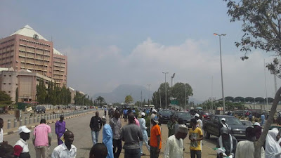 Photos: Students protesting the detention of Shiite leader, Ibrahim El-Zakzaky, teargased in Abuja 5