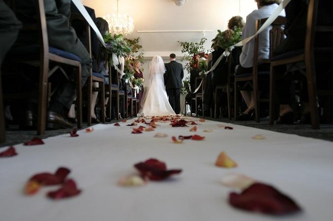 ch民「やっちゃえ日産」結婚式をポケットマネーから推定75億円を払わせてしまう(まとメテオ@chまとめ)