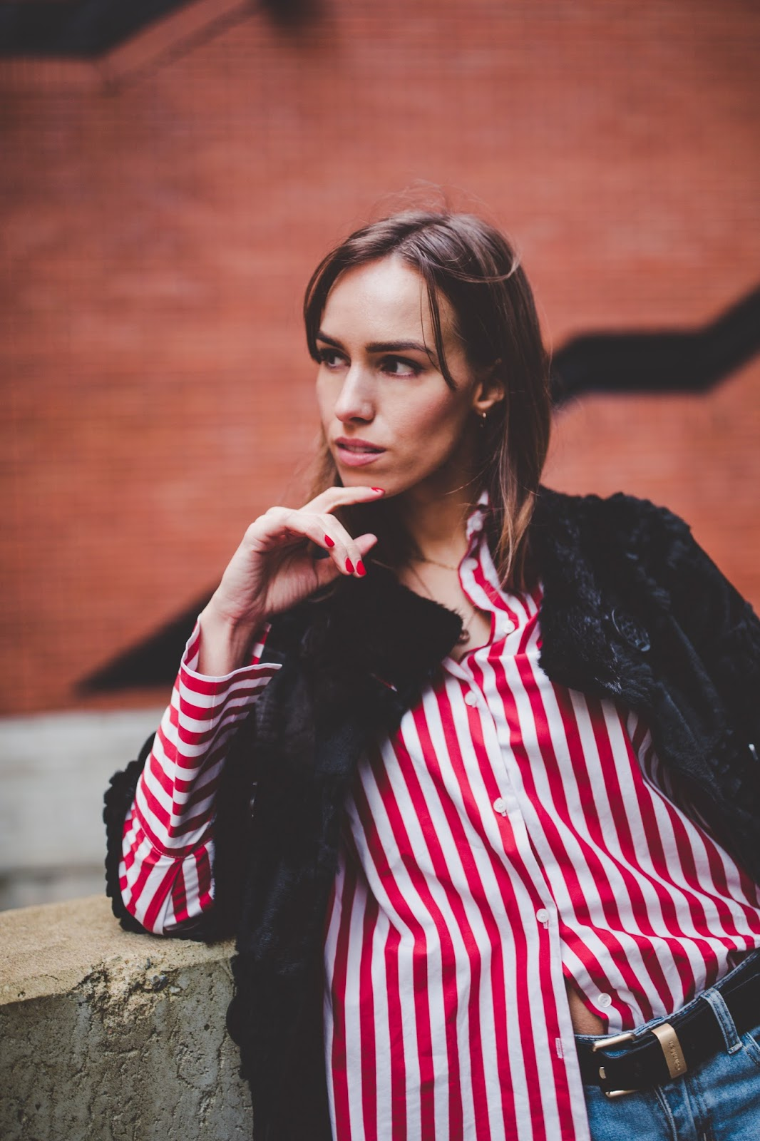red striped oversized shirt outfit