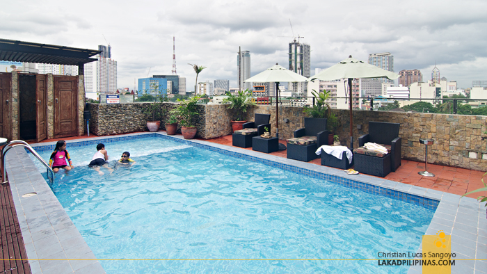 Cocoon Boutique Hotel Quezon City Rooftop Pool