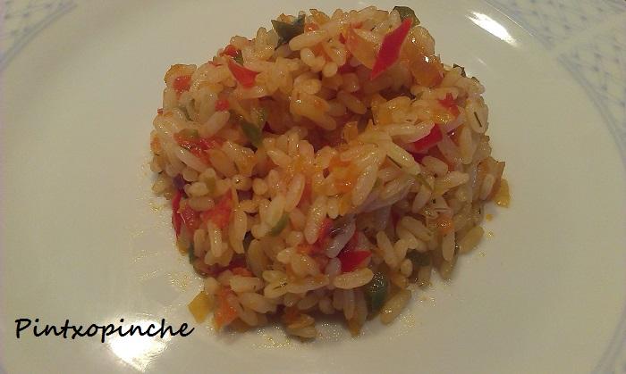 arroz, pimientos, paella, verduras, claves, fumet de cangrejos