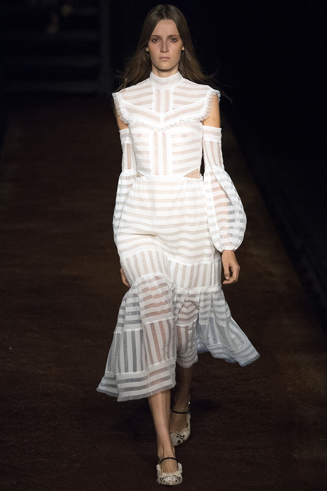 2016 SS Erdem White Shoulder Cutout Dress on Runway