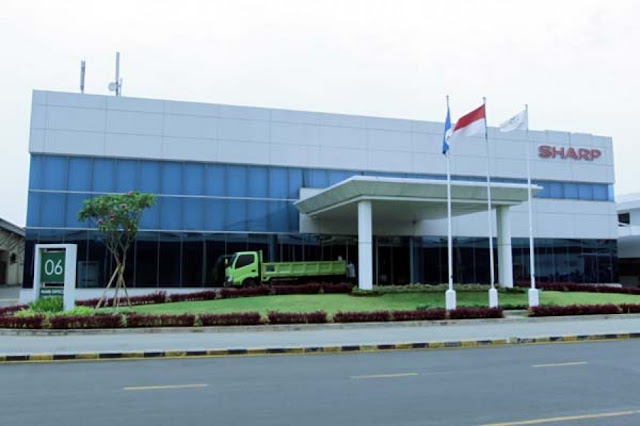 Lowongan Kerja PT Sharp Electronics Indonesia Lulusan SMA, Diploma, Sarjana Jobs Product Marketing for Small Home Appliance, Receptionist for Service Center, Production Control, Etc