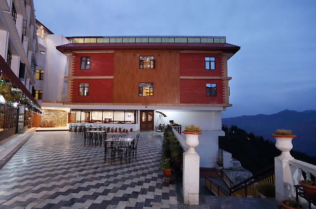 "Hotel Vishnu Palace, Mussorrie - Hotel Vishnu Palace, among the best Hotels in Mussoorie near Library Chowk & Mall Road. It's an ideal choice for budget stay in Mussoorie with great amenities.""> <meta name=""keywords"" content=""Hotel Vishnu Palace, hotels in Mussoorie, Mussoorie hotels, Mussoorie hotels near Library Chowk, hotels near Library Chowk Mussoorie, accommodation in Mussoorie, hotel near Mall Road Mussoorie, best hotel in Mussoorie, book hotel Mussoorie online, family hotel Mussoorie, Akshar Travel Services, Akshar Infocom, Mitesh Patel - 9427703236, 8000999660, Travel Agent Booking, Hotel Vishnu palace booking office, reservation office, airline ticket booking, railway ticket, bus ticket, western union money transfer and more... www.aksharonline.com, www.aksharonline.in"