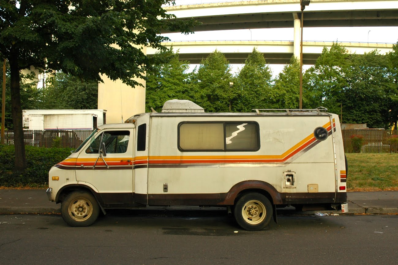 OLD PARKED CARS : 1978 Dodge Trans-Van