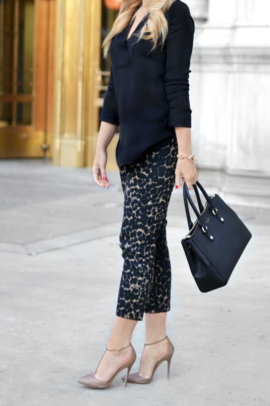 henri-bendel-west-57th-bag-and-old-navy-leopard-harper-pants