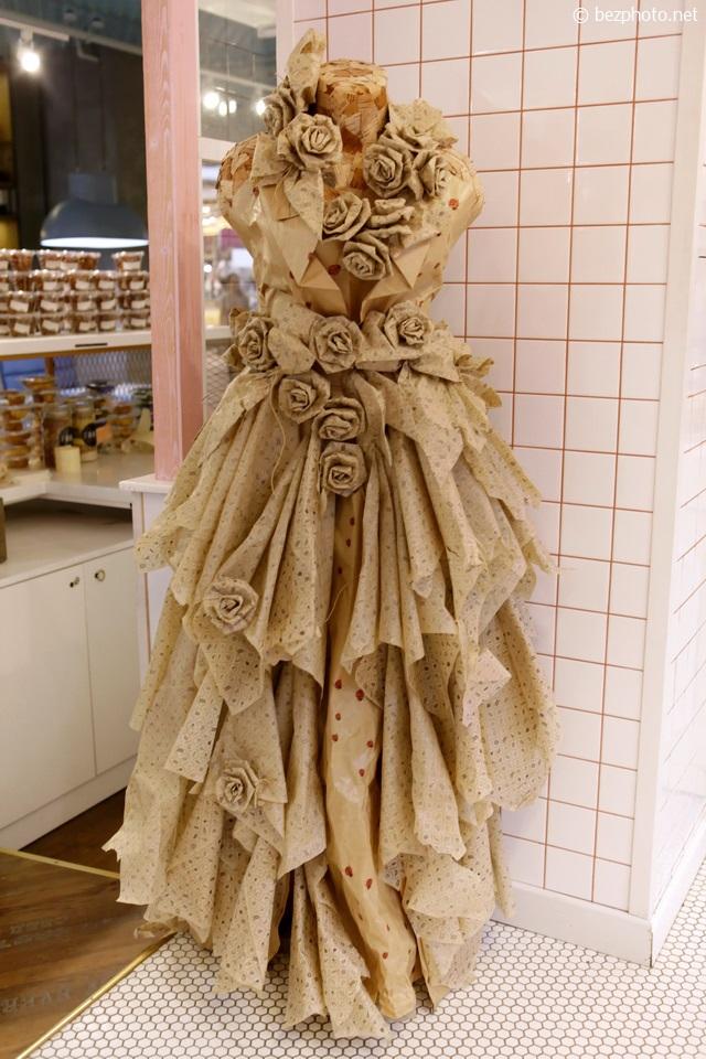 платья из бумаги фото