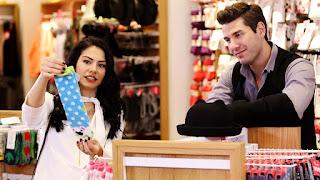Lale și Onur merg la cumpărături pentru camera bebelușului