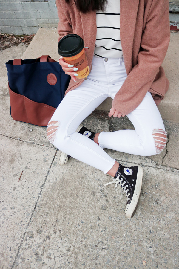 How to Style White Jeans, Converse Sneakers