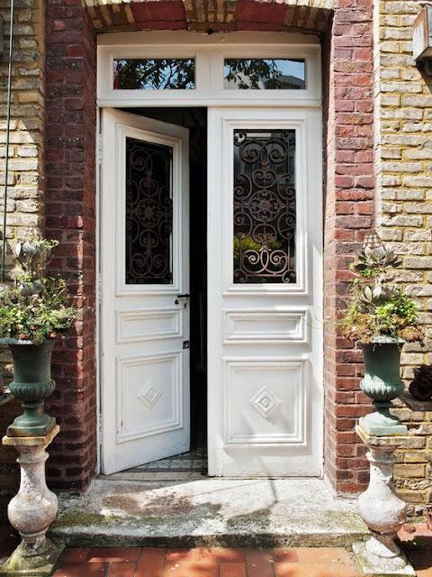 porta-de-entrada-madeira-vidro-e-ferro