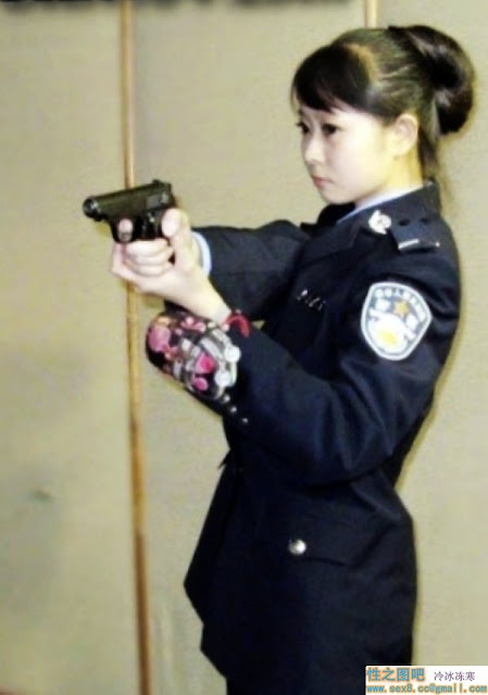 Super Cute Chinese police girlfriend's dirty sex and rotor masturbation photos leaked (41pix)