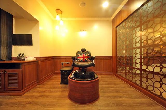 An Experience At A Royal Barbershop, Truefitt & Hill