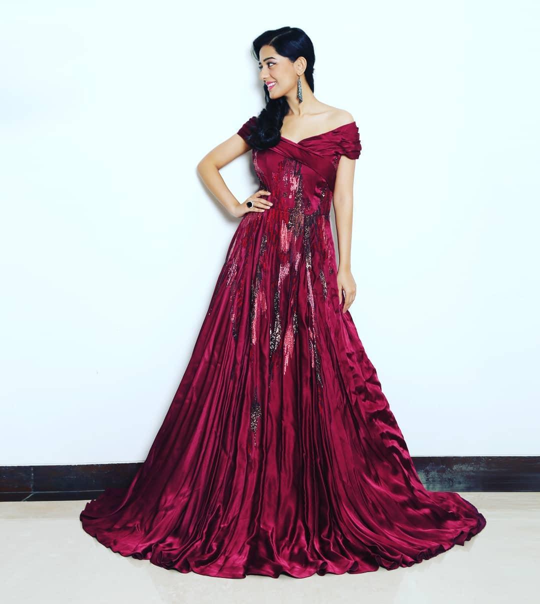 Amrita Rao HD Pictures - HD Actress Photo