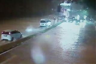 Empat  Jalan Utama KL Banjir Kilat