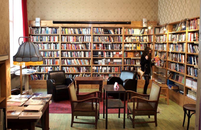 Per librerie in un piovoso pomeriggio autunnale  Berlino