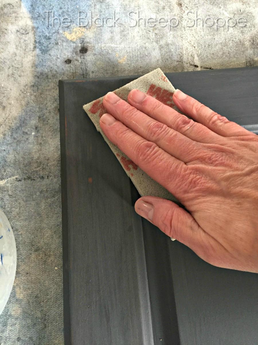 Sanding Chalk Paint with a wet sanding sponge